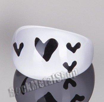 pierścień HEARTS white