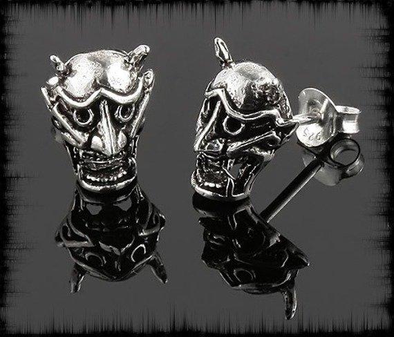 kolczyk srebrny DEVIL